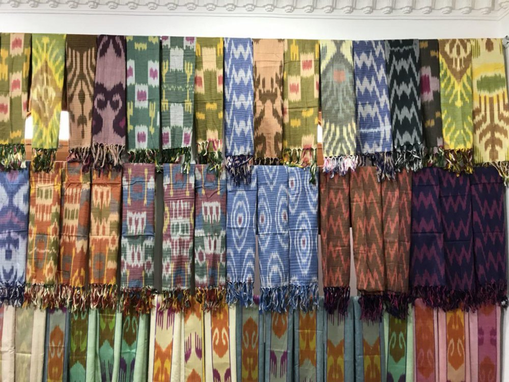 Buy Adras, the Atlas, Ajlo Bakhmal and to snipes - IKAT from silk