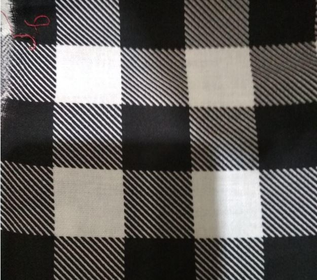 Ткань для текстиля в черно-белую клетку