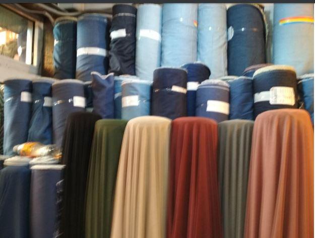 Ткань для текстиля в синих тонах рулонах