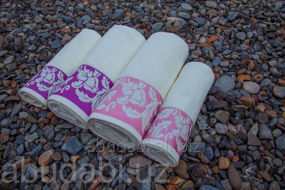 Купить Полотенце махровое Abu Dabi в бордовых тонах с узором