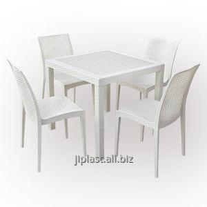 Стол и стулья пластиковые Бали