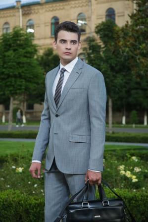 El traje AND_8142 de hombre