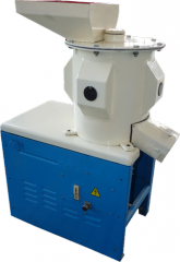 Universal crusher of UDE-300 grain