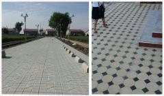 Paving tiles for railroads