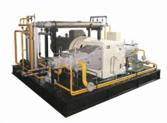 Auto-gasservicing compressor stations for