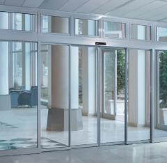 Сенсорные автоматические раздвижные двери DORMA