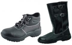 Boots and boots working molding and bortoproshivny