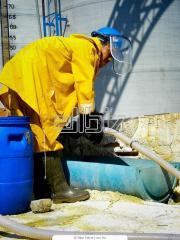 El traje de trabajo resistente a la humedad