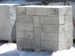 Foam concrete blocks of 400х300х200 mm in size.