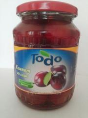 Plums compote
