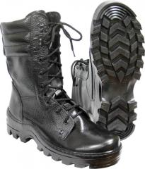 Boots with high berets
