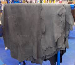 Leather of cattle of a chromic tanning