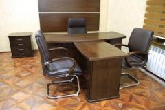 أثاث المكاتب (المكتب)
