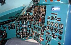المعدات الكهربائية على متن الطائرة