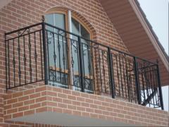 Перила балконные металлические