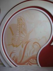Натяжной потолок однотонный бабочка