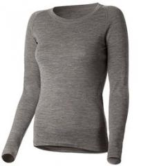T-shirt with a long sleeve female