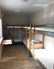 Спальная комната на 12 человек в мобильном доме