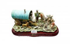 Porcelain Figurine Gypsy Caravan Article 660