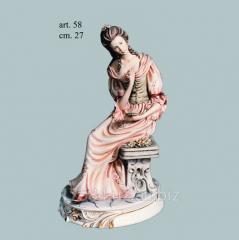 Сувенир фарфоровый артикул  58 - Дама с зеркалом