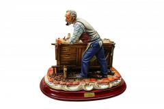 Porcelain Figurine Carpenter Article 358