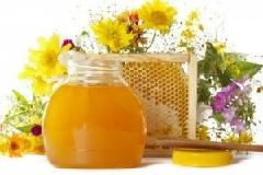 Honey with medicative herbs