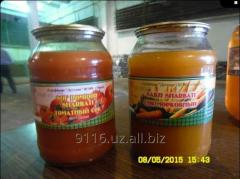 Juice vegetable tomato and carrot flew bank (1 and