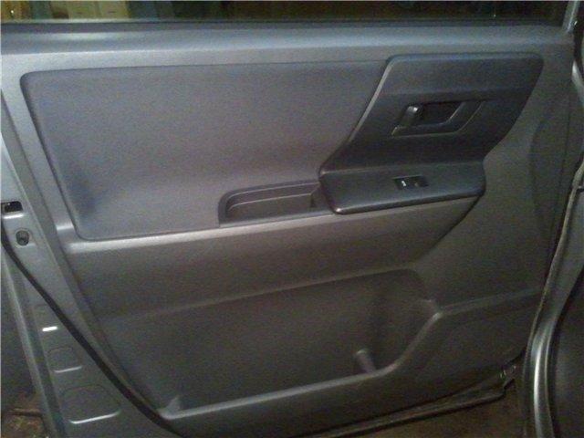 Заказать Обшивка передних дверей автомобиля