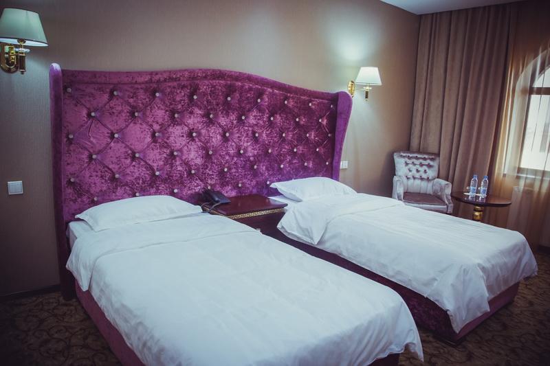 Заказать Резервирование номеров в отелях и гостиницах Emir Han