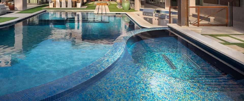 Заказать Услуга укладки мозаики в бассейне