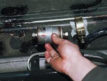 Замена топливного фильтра автомобилей марки ISUZU