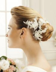 Hire of accessories for a wedding hairdress