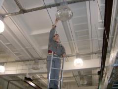 Выполнение работ по наружному освещению зданий и