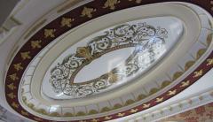 Фотопечать на натяжном потолке орнамент