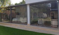 Стеклянные двери, витражи на заказ из калёного стекла 10 мм в Ташкенте